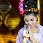 Fille thai wai